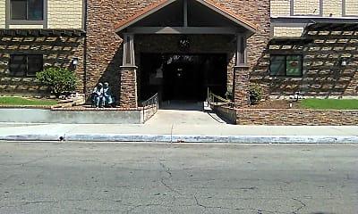 Regency Park Astoria, 1