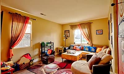 Living Room, 33446 Twin Hills Way, 1
