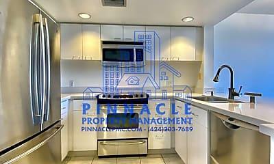 Kitchen, 1211 Cabrillo Ave, 1