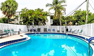Pool, 2555 NE 11th St, 2