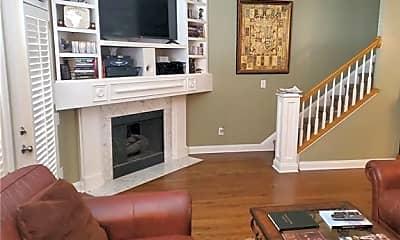 Living Room, 807 Clarkson Mill Ct, 1
