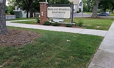 Highland Memorial, 1
