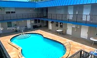 Pool, 37 SW 14th St 3, 0