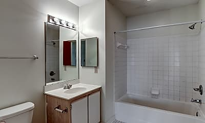 Bathroom, River Crossing, 2