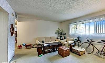Living Room, 3853 N Parkway Dr, 1