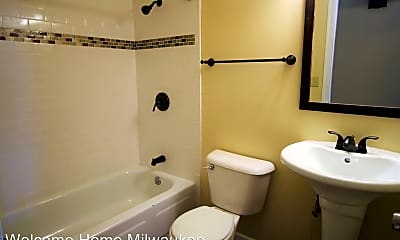 Bathroom, 6335 N 102nd St, 2