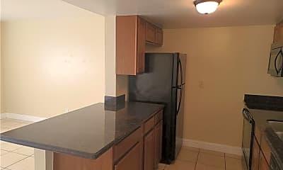 Kitchen, 2114 SW 7th Pl B, 1