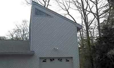 Building, 30 Linden Ln, 0