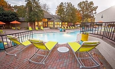 Pool, Hawthorne Wildwood, 2