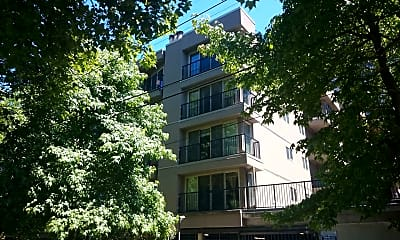 Building, 511 E Roy St. Apt 109, 1