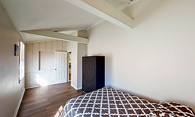Bedroom, Room for Rent -  a 30 minute walk to bus stop Conl, 2