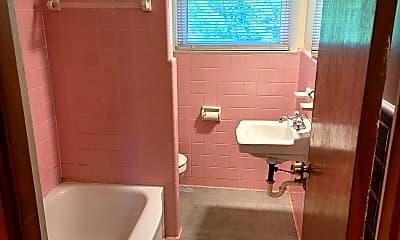 Bathroom, 2201 Porter Rd, 2