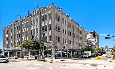 Building, 115 W 4th St PH4, 0