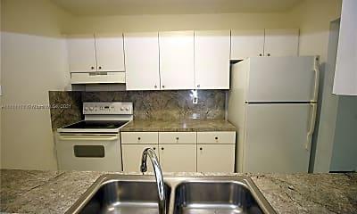 Kitchen, 2725 W Okeechobee Rd 16, 1