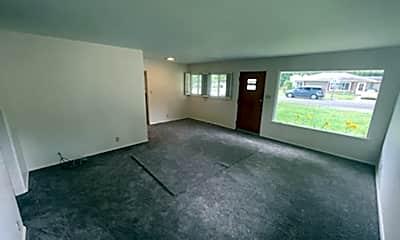 Living Room, 513 S Tara Ln, 2