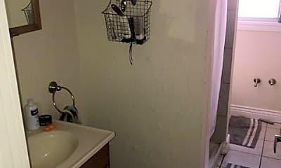 Bathroom, 3322 Juliet St, 1