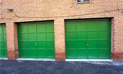 Building, 260 West St 8A, 2