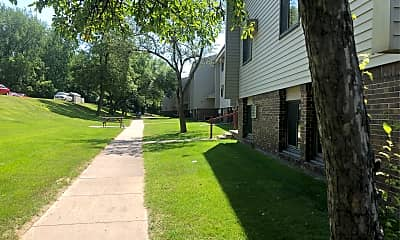 Valley View Apartments, 2