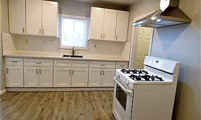 Kitchen, 1021 Hoffman Ave, 1
