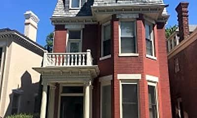 Building, 424 Warren Crescent, 0