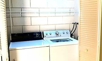 Kitchen, 655 Lynwood Ave, 2