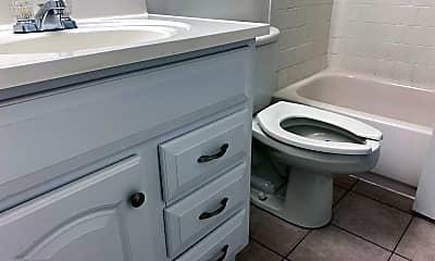 Bathroom, 110 Duvall Ln 76-304, 1