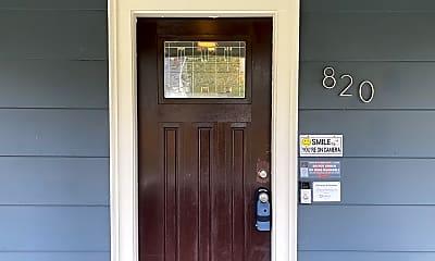 820 N 60th St, 1