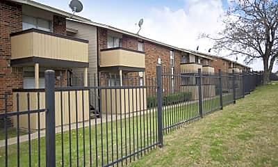 Building, Veranda Court Apartments, 2