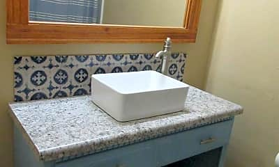 Bathroom, 3323 Kingswood Ct 10D, 2