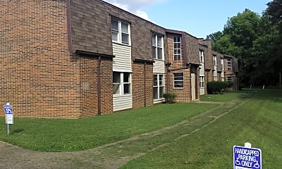 Eastridge Apts, 0