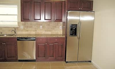 Kitchen, 145 Clifford St, 1
