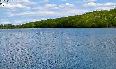 582 Lakes Rd, 1