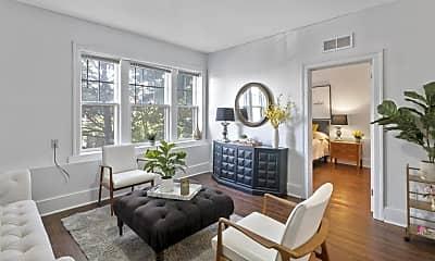 Living Room, 663 Prentis St, 0