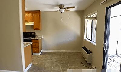 Living Room, 938 Kiely Blvd, 1