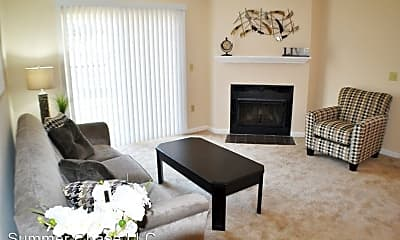 Living Room, 1811 W Lakeview Dr, 1