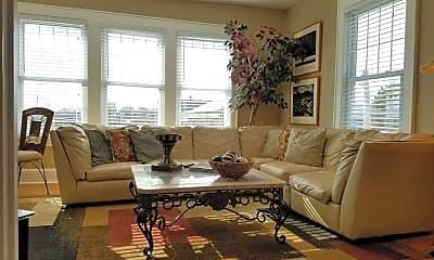 Living Room, 415 15th St, 0