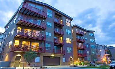 Building, The Edge at City Park Apartments, 0