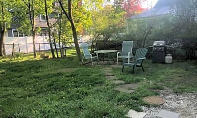 Patio / Deck, 92 Mill St, 2