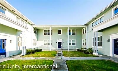 Building, 1132 E San Antonio Dr, 1