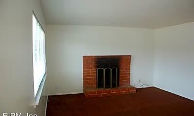 Living Room, 6772 Del Playa Dr, 2