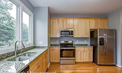 Kitchen, 1013 Linden Ave, 1