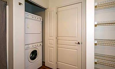 Bathroom, 773 NW 13th St, 2