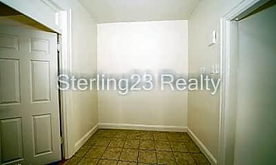 Bathroom, 23-34 Broadway, 2