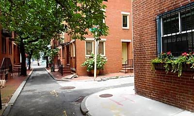 Building, 220 S Sartain St, 2