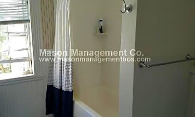 Bathroom, 40 Hawthorn St, 1