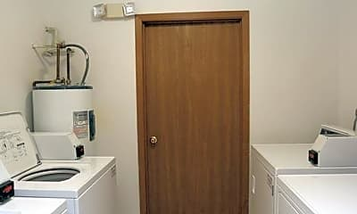 Kitchen, 445 Donin Dr, 2