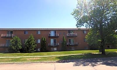 Building, 517 6th St E, 2