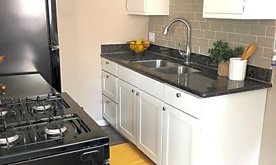 Kitchen, 4437 Franklin St, 1