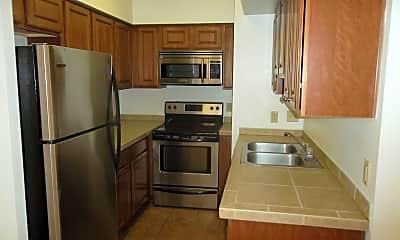 Kitchen, 1810 E Blacklidge Dr, 0