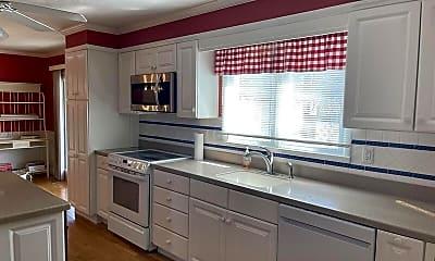 Kitchen, 1065 E Highland Dr, 2